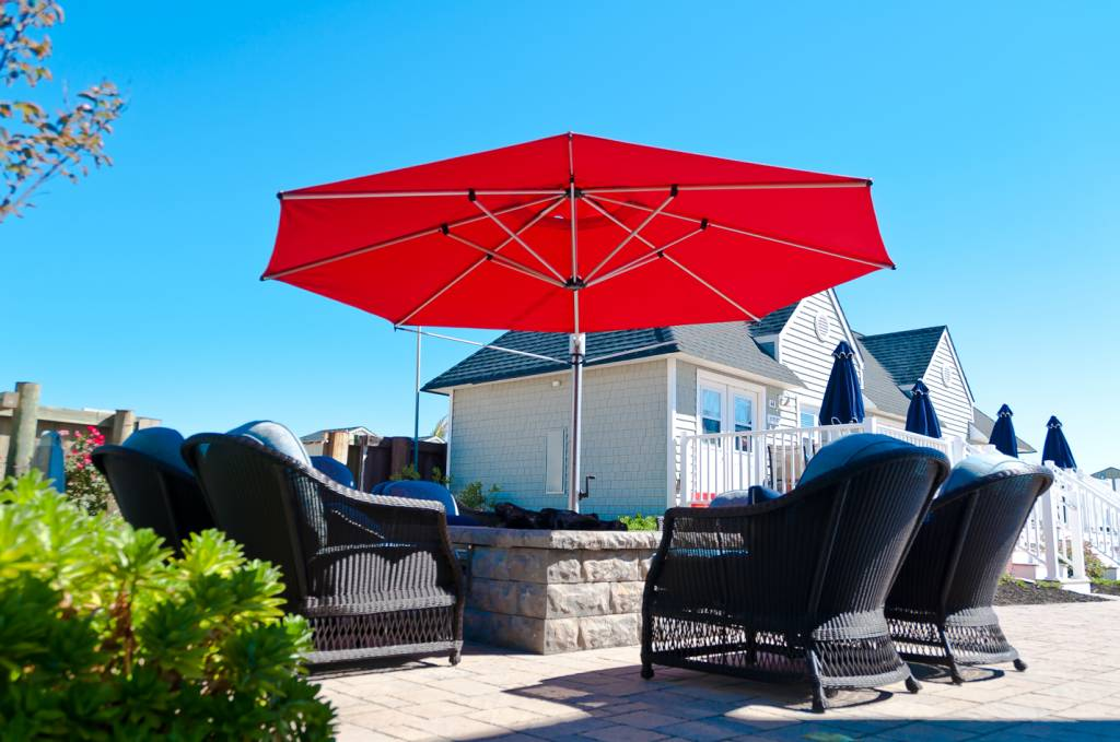 Eclipse Cantilever Square Umbrella Commercial Patio