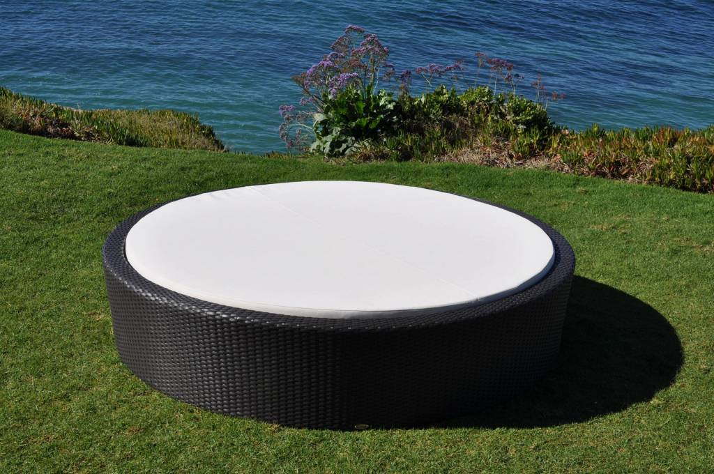 Flatiron Round Outdoor Sun Bed Outdoor Wicker Patio