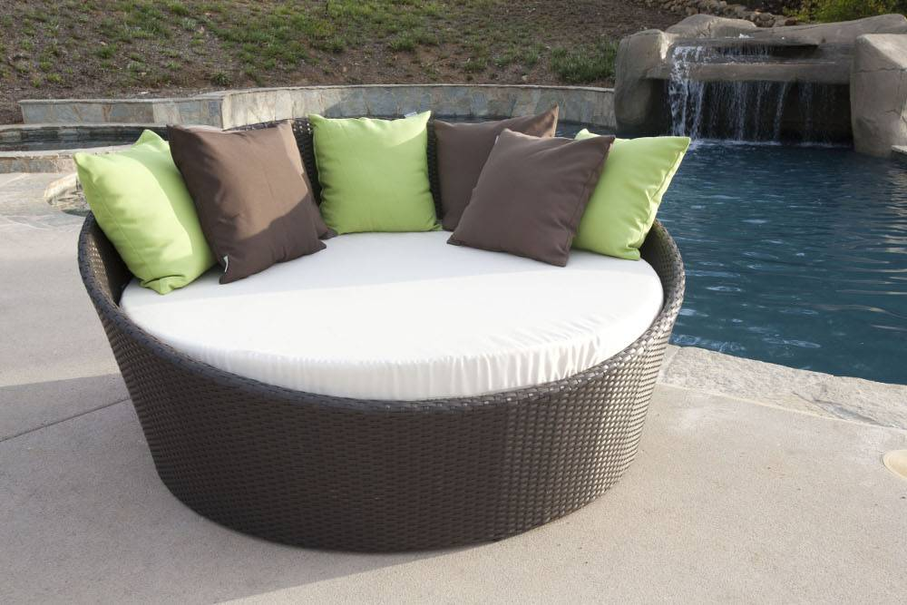 Circular Modern Daybed All Weather Wicker Lawn