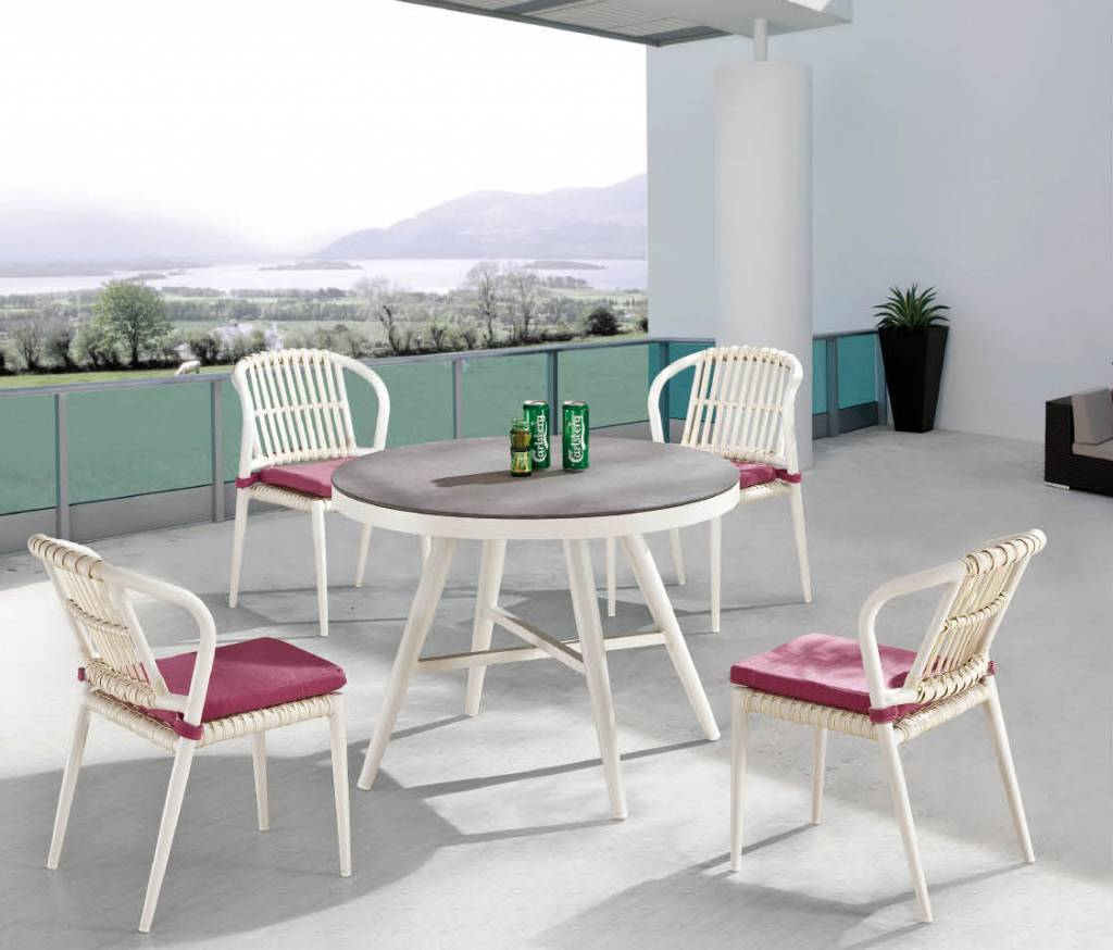 Kitaibela Modern Outdoor Armless Dining Set For Four With