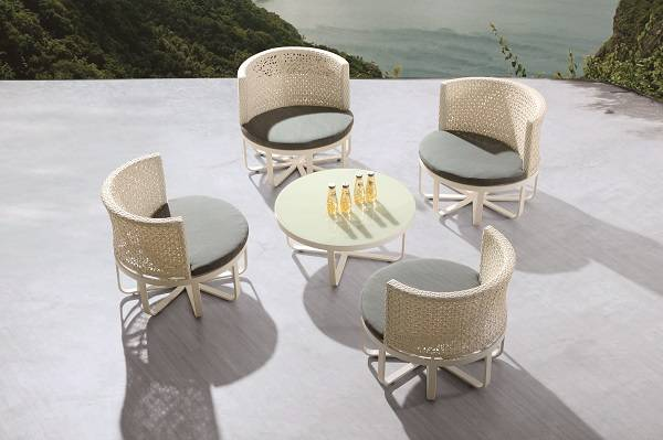 Polo Round Seating Set for 4 with Round Coffee Table