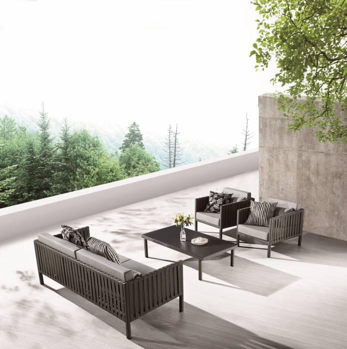 Garnet Sofa Set