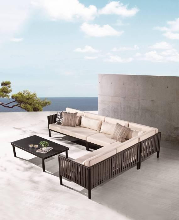 Garnet Sectional Sofa Set