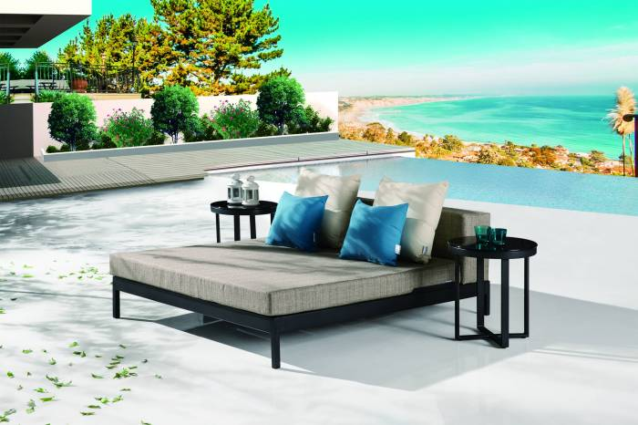 Barite Outdoor Chaise Lounge Daybed