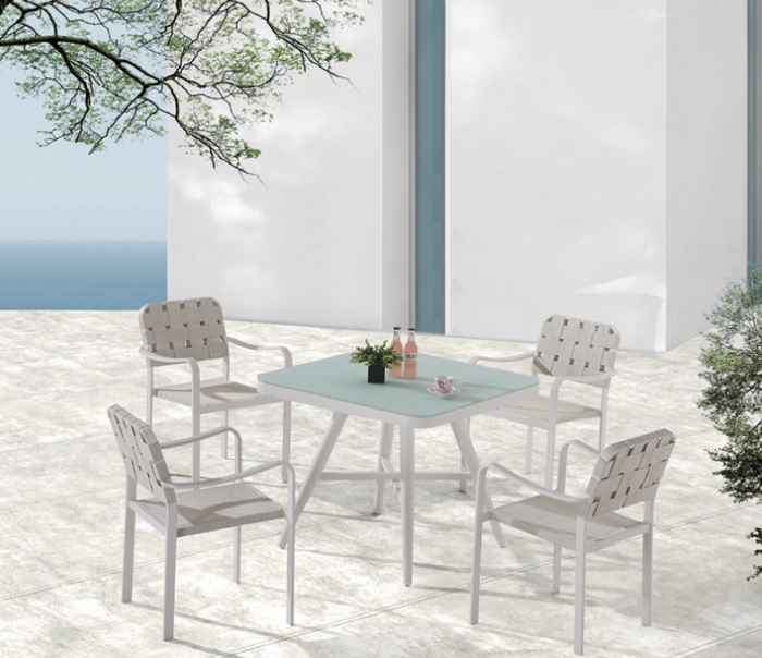 Edge Dining Set for 4