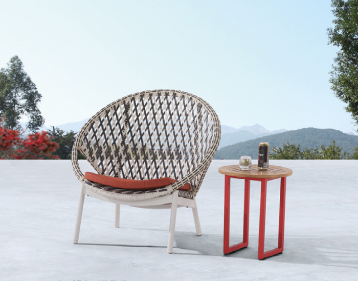 Evian Round Club Chair