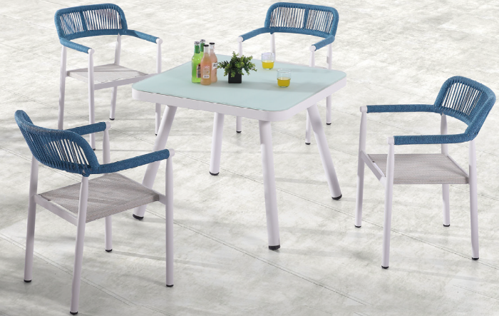Venice Dining Set for 4 with arms