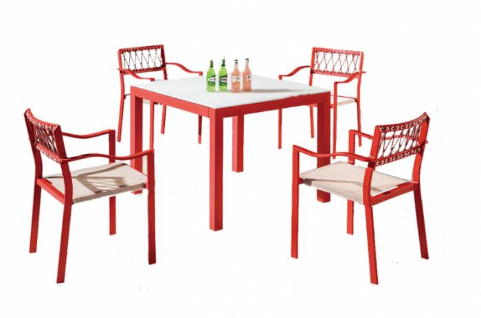 Hyacinth Dining Set for 4 with Arms - Image 1