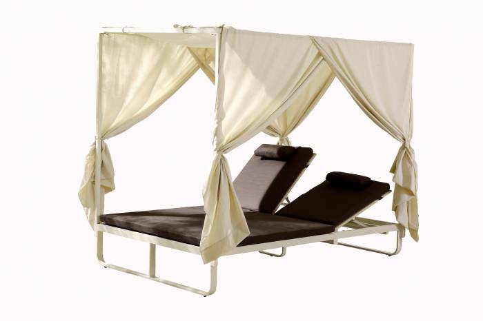 Polo Double Beach Bed with Canopy - Image 1