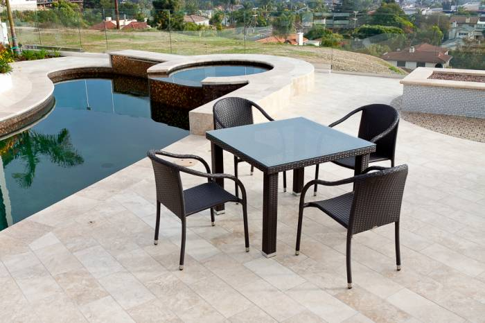 Luna Dining Set For Four