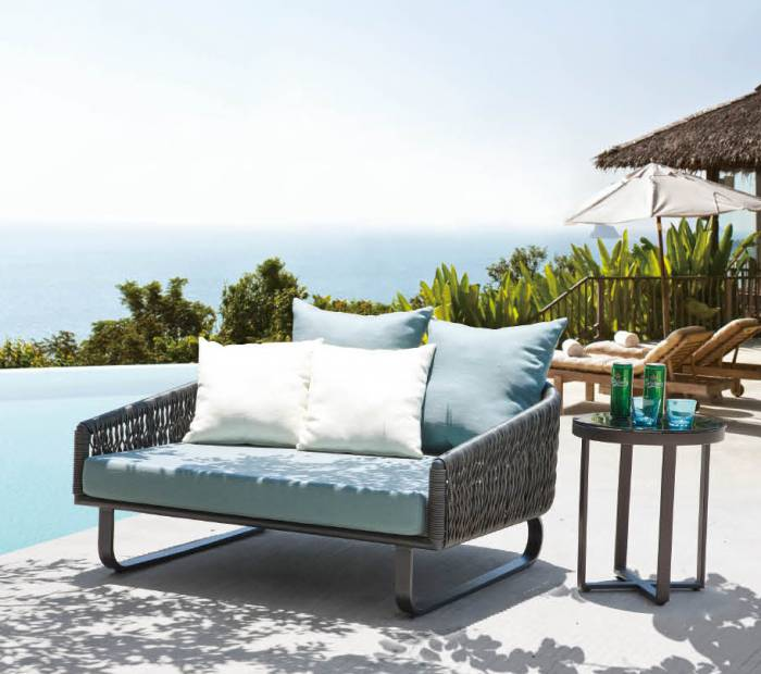 Modena Daybed With Side Table