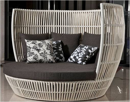 Apricot Daybed