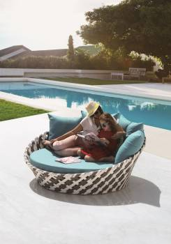 Verona Round Daybed - Image 3