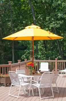 Venetian Wood Pulley-Lift Umbrella