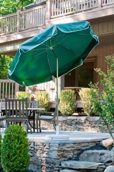 Laurel Steel Octogan Patio Umbrella