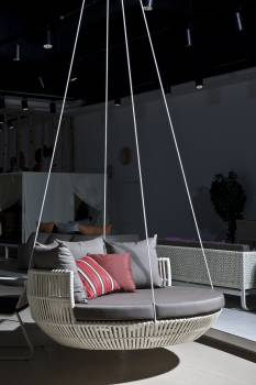 Apricot Hanging Daybed -White Wicker - Quick Ship - Image 3